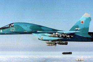 Nga hành động quyết liệt: Không kích ồ ạt, đổ thêm quân vào Syria