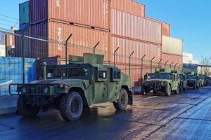 Mỹ cung cấp thêm loạt phương tiện chiến đấu cho Ukraine