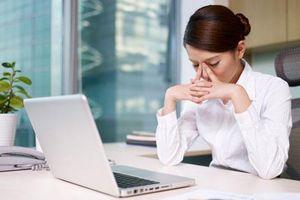 2 cách chữa thâm mắt khi ngồi máy tính nhiều