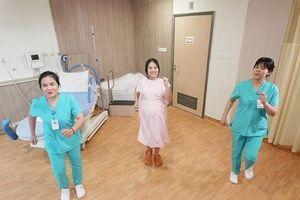 Bệnh viện đầu tiên của Việt Nam áp dụng 'Điệu nhảy dành cho mẹ bầu - Labor Dance'