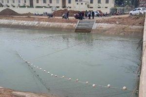 Đóng cống, giăng lưới ngăn sông tìm học sinh lớp 3 đuối nước
