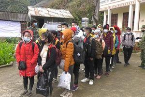 Lào Cai: 35 đối tượng băng rừng vượt biên trong thời tiết giá lạnh