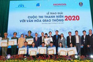 Trao giải cuộc thi 'Thanh niên với Văn hóa giao thông' năm 2020