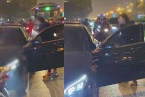 Hé lộ vụ đánh ghen trên phố Lê Văn Lương: 'Nó cấm chồng tôi không được ngủ với vợ con, bắt vứt nhẫn cưới'