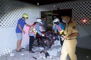 Nam thanh niên tử vong sau khi đâm sập tường nhà dân