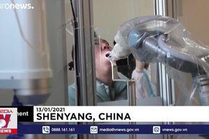 Trung Quốc dùng robot lấy mẫu xét nghiệm COVID-19