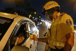 CSGT Tân Sơn Nhất đo nồng độ cồn quốc tế, ít trường hợp vi phạm