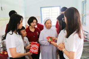 Tập đoàn giáo dục Nguyễn Hoàng thực hiện hành trình thiện tâm, hướng tới cộng đồng