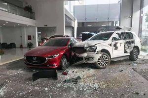 Khởi tố nữ tài xế lao xe vào showroom ô tô khiến 1 người chết ở Phú Thọ