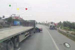 Xe đầu kéo chuyển làn ẩu, tông ô tô con xoay ngang trên quốc lộ