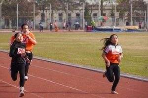 Hơn 1.200 vận động viên dự Giải Điền kinh học sinh Hà Nội năm học 2020-2021