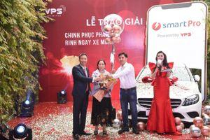VPS vinh danh các nhà đầu tư xuất sắc tại lễ trao giải 'Chinh phục phái sinh - Rinh ngay xe Merc'