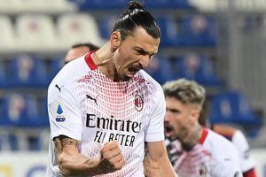 Ibra ghi 2 bàn giúp Milan bỏ xa Juventus
