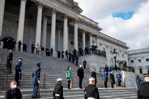 Điện Capitol bị phong tỏa gần một tiếng vì xảy ra đám cháy lân cận