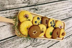 Cách làm bánh quy hoa tươi lạ mắt đãi khách ngày Tết
