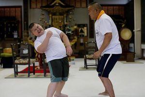 Hành trình của cậu bé sumo 10 tuổi nặng 85kg