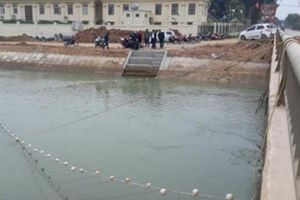 Xuống sông vớt dép cho chị gái, bé trai 9 tuổi đuối nước thương tâm