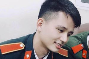 Chàng 'soái ca' quân nhân sở hữu gương mặt điển trai khiến chị em 'sốt sắng' tìm profile trên mạng xã hội