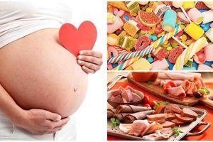 Muốn sinh con khỏe mạnh đạt chuẩn, mẹ bầu cuối thai kỳ chớ nên ăn những thực phẩm này