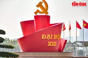 Trung tâm Hội nghị Quốc gia thắm màu cờ, sẵn sàng cho Đại hội XIII của Đảng