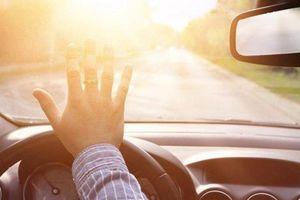 Những cách khắc phục tình trạng chói mắt khi lái xe
