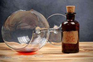 Bác sĩ BV Bạch Mai: 'Không chỉ rượu giả, rượu ethanol thông thường cũng có thể gây ngộ độc'