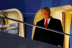 Ông Trump ký lệnh loại bỏ máy bay không người lái Trung Quốc khỏi các hạm đội Mỹ
