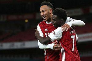 Arsenal lên nửa trên bảng điểm
