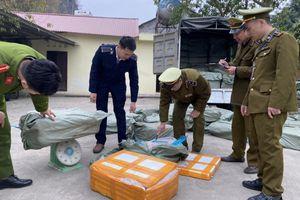 Lạng Sơn: Chặn đứng 2 tấn nầm lợn hôi thối đang trên đường đi tiêu thụ