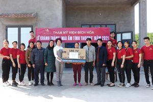 Trao tặng 'Mái ấm tình thương' cho 2 hộ khó khăn tại Ba Chẽ