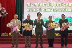 Công an tỉnh Hòa Bình gặp mặt chúc tết cán bộ lãnh đạo Công an hưu trí