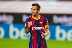 PSG chuẩn bị chiêu mộ Lionel Messi