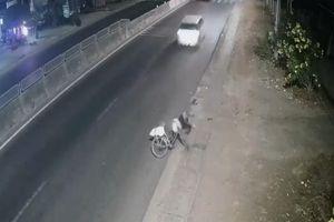 Ô tô 7 chỗ tông trúng cụ ông rồi bỏ chạy ở Đồng Nai