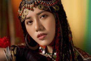 Phùng Khánh Linh, cô bé trốn trong tủ