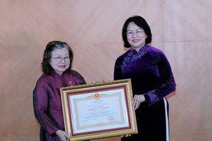 Nhà khoa học nữ được trao tặng Anh hùng Lao động thời kỳ đổi mới