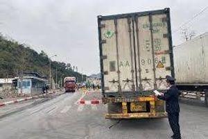 Lạng Sơn: Thực hiện khai báo thông tin trước khi hàng đến cửa khẩu