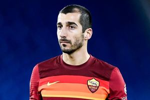 Cựu sao MU lốp bóng ghi bàn nhưng không cứu được AS Roma
