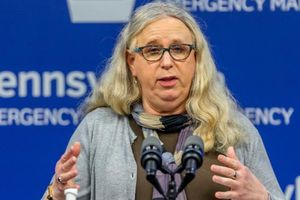 Người chuyển giới đầu tiên được đề cử Thứ trưởng Bộ Y tế Mỹ