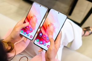 Loạt smartphone lên kệ tại Việt Nam dịp cận Tết Âm lịch