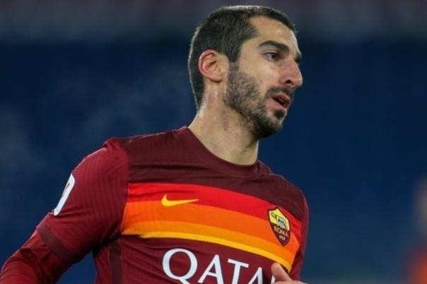 Roma phạm luật vì thay 6 cầu thủ trong một trận