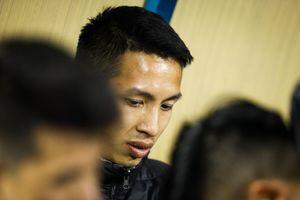 Cầu thủ phạm lỗi với Hùng Dũng bị cấm thi đấu 2 trận