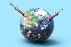Vaccine COVID-19 sẽ giải bài toán kinh tế thế giới?