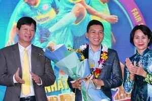 Fair Play 2020: Vinh danh cầu thủ futsal Nguyễn Nhớ