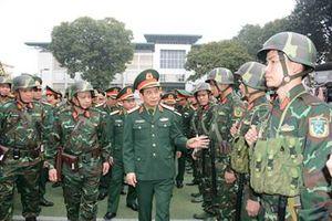 Thượng tướng Phan Văn Giang kiểm tra công tác sẵn sàng chiến đấu bảo vệ, phục vụ Đại hội đại biểu toàn quốc lần thứ XIII của Đảng