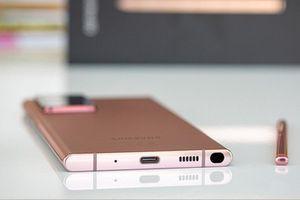 Galaxy S21 thiết kế 'dở hơi', SamFans coi chừng hỏng máy