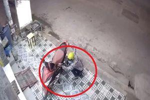 Trộm xe tay ga ở Long An chỉ trong 1 phút 8 giây
