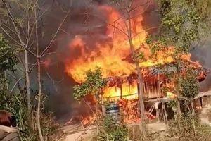 Yên Bái: Chập điện cháy nhà gỗ 3 gian