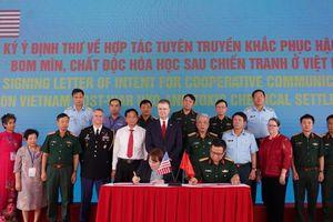 Hoa Kỳ và Việt Nam cam kết hợp tác khắc phục hậu quả chiến tranh