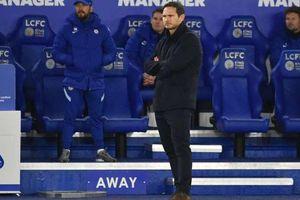 Chelsea thảm bại, HLV Lampard khen đối thủ đá hay
