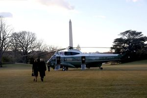 Tổng thống Trump và Đệ nhất phu nhân Melania rời Nhà Trắng